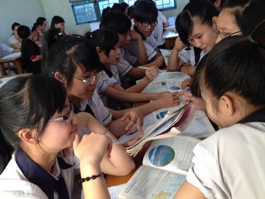 """Hướng dẫn dự thi cuộc thi """"Vận dụng kiến thức liên môn vào gaiir quyết vấn đề trong thực tiến"""" dành cho HS và cuộ thi """"Dạy học theo chủ đề tích hợp, liên môn"""" dành cho GV (kèm sản phẩm dự thi đạt giải của học sinh)"""